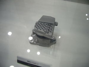 201009082
